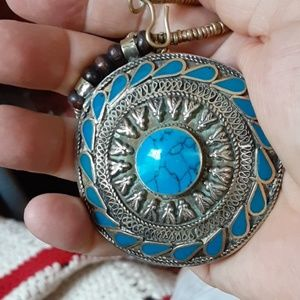 Big pendant necklace